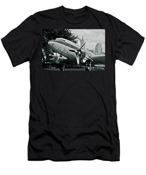 Classic Aircraft Douglas Dc-3 Men's T-Shirt (Athletic Fit)