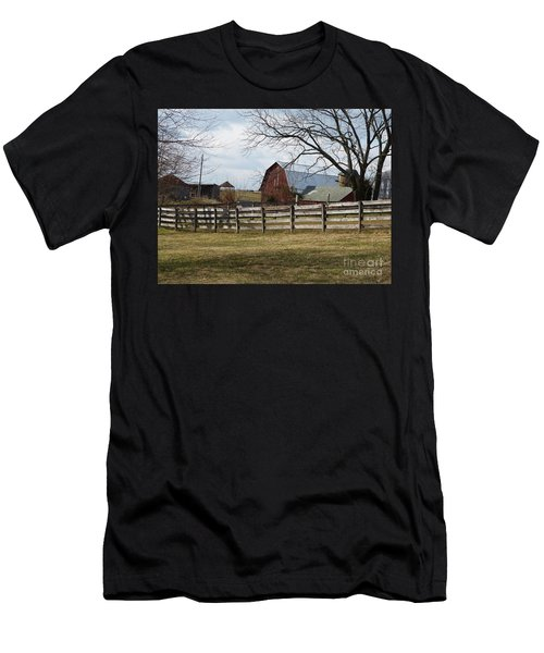 Scene On The Farm Men's T-Shirt (Athletic Fit)