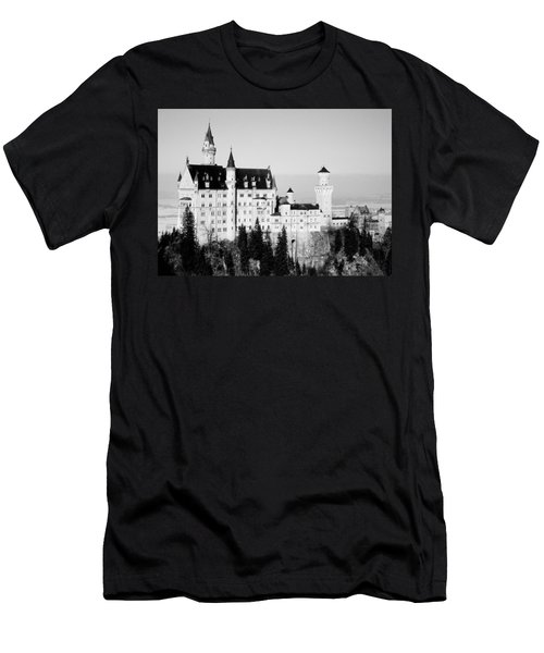 Schloss Neuschwanstein  Men's T-Shirt (Athletic Fit)
