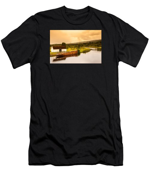 Scottish Loch 2 Men's T-Shirt (Athletic Fit)