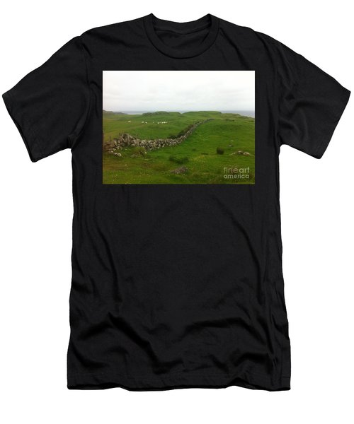 Scottish Wall Men's T-Shirt (Athletic Fit)