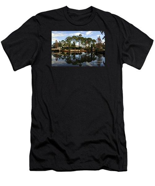 Sculpture Garden Men's T-Shirt (Athletic Fit)