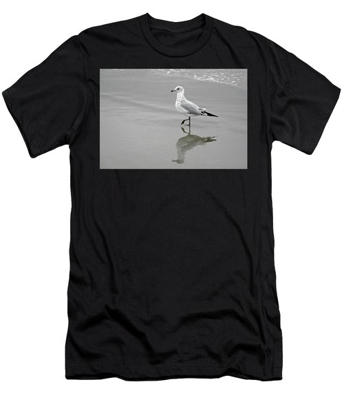 Sea Gull Walking In Surf Men's T-Shirt (Athletic Fit)
