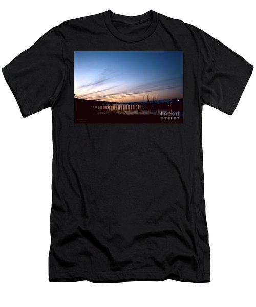 Seagate Pier II Men's T-Shirt (Athletic Fit)