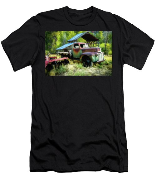 Seen Better Days - Ford Farm Truck Men's T-Shirt (Athletic Fit)