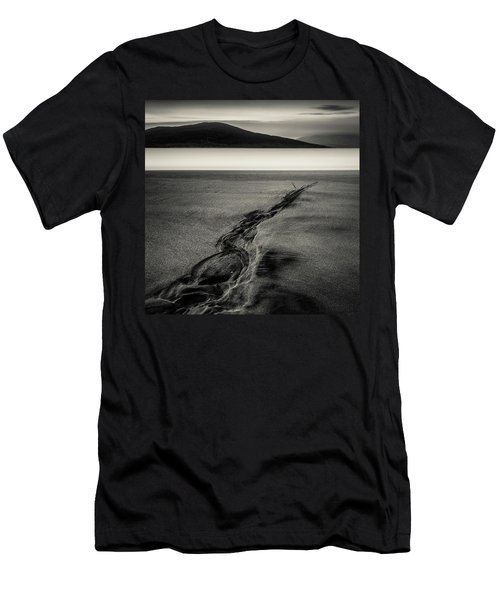Seilebost Sand Tracks Men's T-Shirt (Athletic Fit)