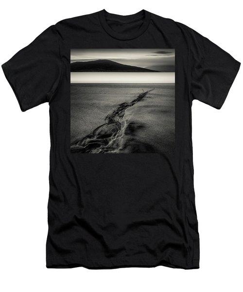 Seilebost Sand Tracks Men's T-Shirt (Athletic Fit)