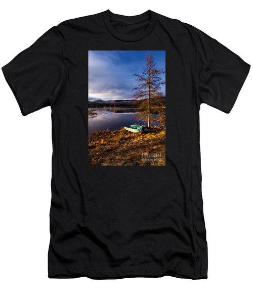 Shaw Pond Sunrise Men's T-Shirt (Athletic Fit)