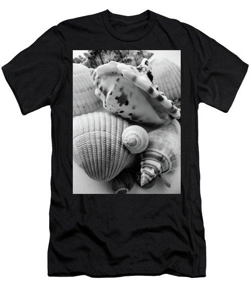 She Sells Seashells Men's T-Shirt (Athletic Fit)