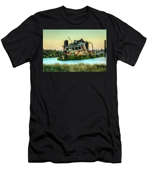 Shipwreck - Mary D. Hume Men's T-Shirt (Athletic Fit)