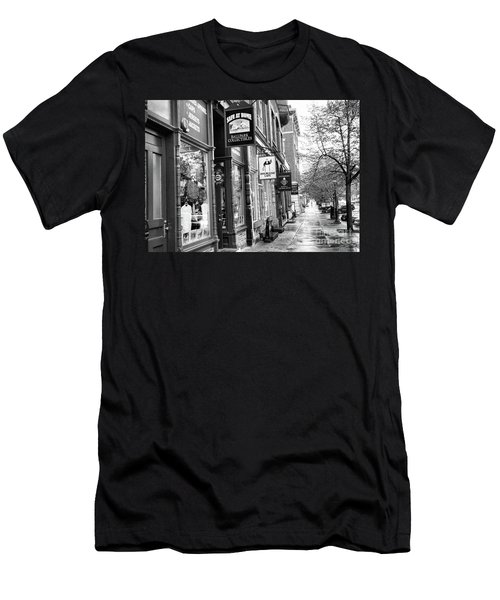 Shop In Cooperstown Ny Baseball Bw Men's T-Shirt (Athletic Fit)