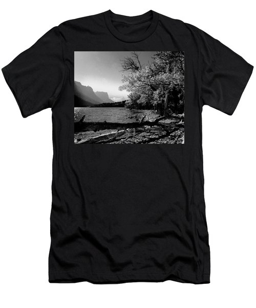 Shoreline Black And White Men's T-Shirt (Slim Fit)