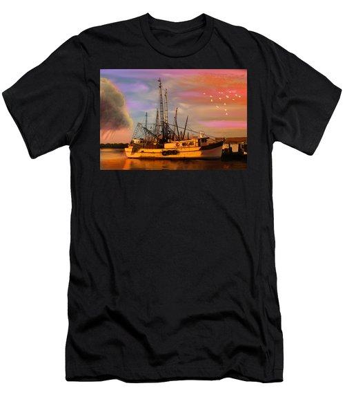 Shrimpers At Dock Men's T-Shirt (Athletic Fit)