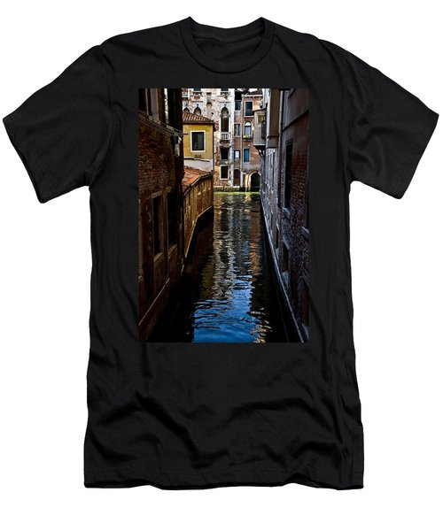 Side Canal Men's T-Shirt (Slim Fit) by Harry Spitz