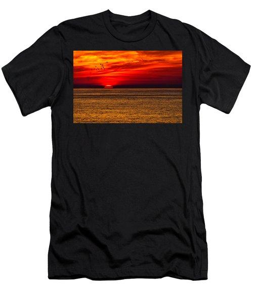 Sinking Setting Sun Men's T-Shirt (Athletic Fit)
