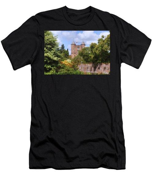 Sissinghurst Castle - England Men's T-Shirt (Athletic Fit)