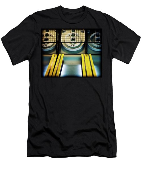 Skeeball Arcade Photography Men's T-Shirt (Athletic Fit)