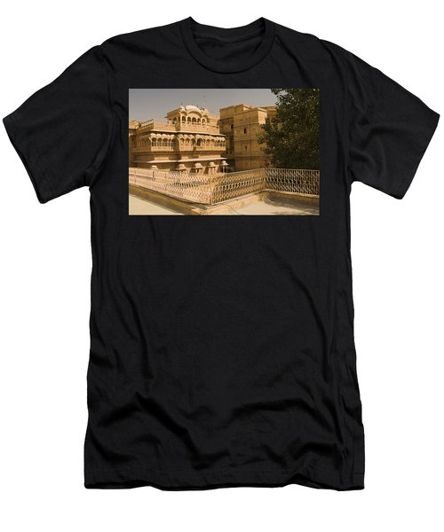 Skn 1231 Kingly Jharokhas Men's T-Shirt (Athletic Fit)