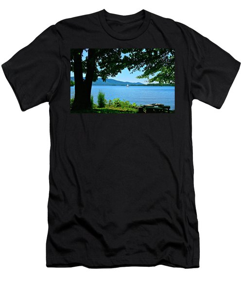 Smith Mountain Lake Sailor Men's T-Shirt (Athletic Fit)