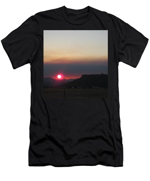 Men's T-Shirt (Slim Fit) featuring the photograph Smoky Sunset Near Table Rock by Marie Neder