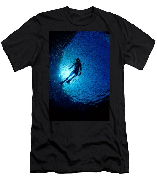 Snorkeler Men's T-Shirt (Athletic Fit)