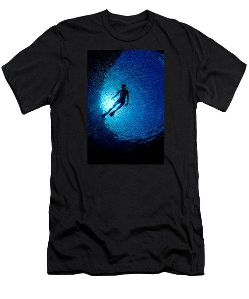 Snorkeler Men's T-Shirt (Athletic Fit)