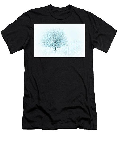 Snow Field Tree Men's T-Shirt (Athletic Fit)