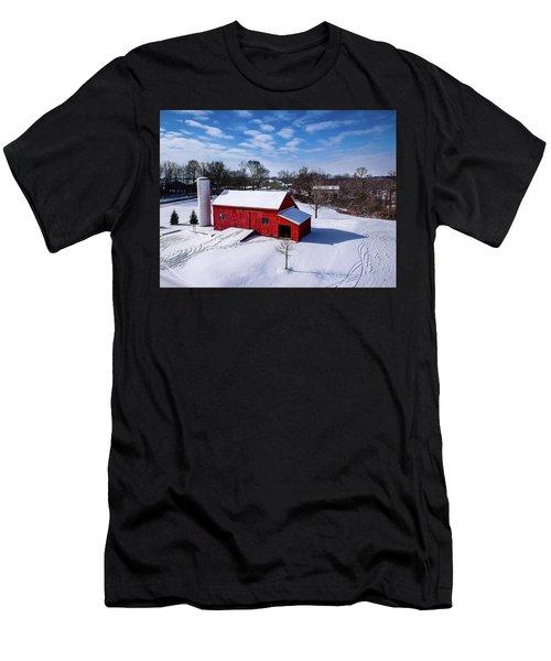 Snowy Barn Men's T-Shirt (Athletic Fit)