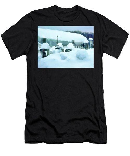 Snowy Farm Men's T-Shirt (Athletic Fit)