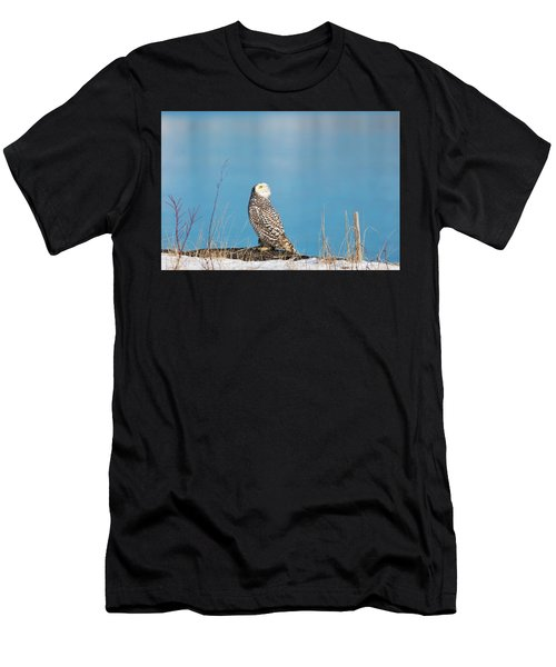 Snowy Watching A Plane Men's T-Shirt (Athletic Fit)