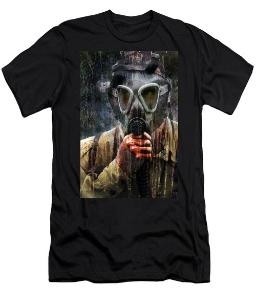 Soldier In World War 2 Gas Mask Men's T-Shirt (Athletic Fit)