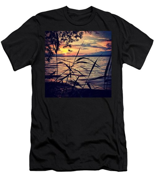 #sonnenuntergang Am #stausee Men's T-Shirt (Athletic Fit)