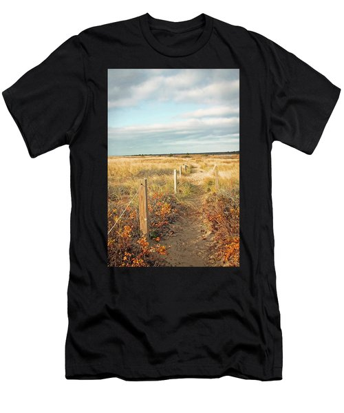 South Cape Beach Trail Men's T-Shirt (Athletic Fit)