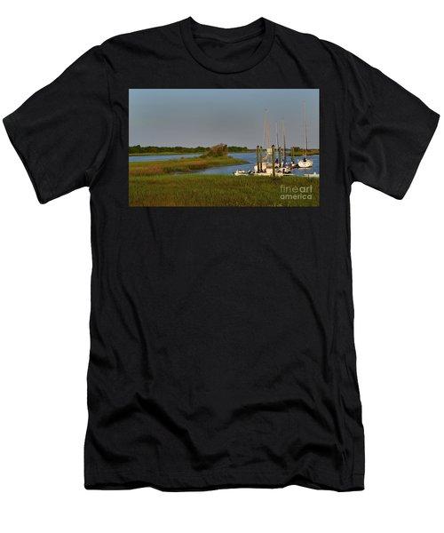 Southport Marina Sunrise Men's T-Shirt (Athletic Fit)