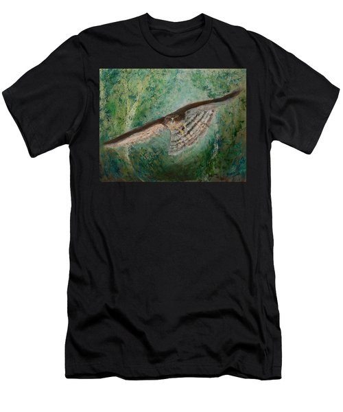Sparrowhawk Hunting Men's T-Shirt (Athletic Fit)
