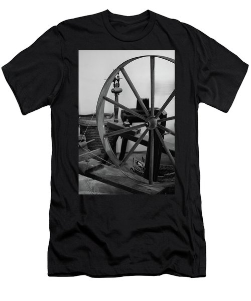 Spinning Wheel At Mount Vernon Men's T-Shirt (Athletic Fit)