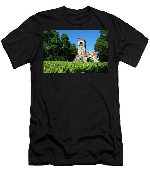 Spring Morning At Testimonial Gateway Men's T-Shirt (Athletic Fit)