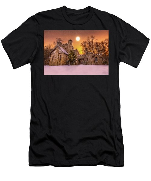 Squires Castle In The Winter Men's T-Shirt (Athletic Fit)