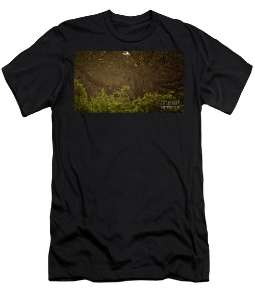 Sri Lankan Leopard  Men's T-Shirt (Athletic Fit)