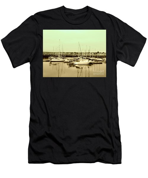 St. Lawrence Seaway Marina Men's T-Shirt (Athletic Fit)