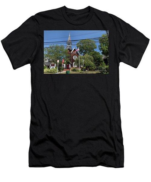 St Pauls Episcopal Church Patchogue Men's T-Shirt (Athletic Fit)
