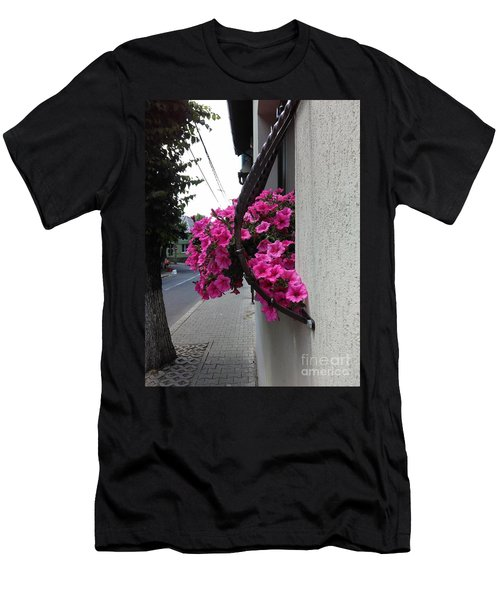 Standing Out Men's T-Shirt (Athletic Fit)