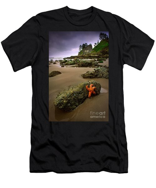 Starfish On The Rocks Men's T-Shirt (Athletic Fit)