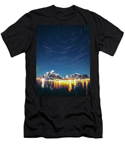 Startrails Above Reine Men's T-Shirt (Athletic Fit)