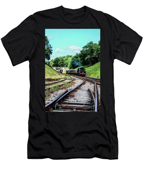 Steam Train Nr The Bridge Men's T-Shirt (Athletic Fit)