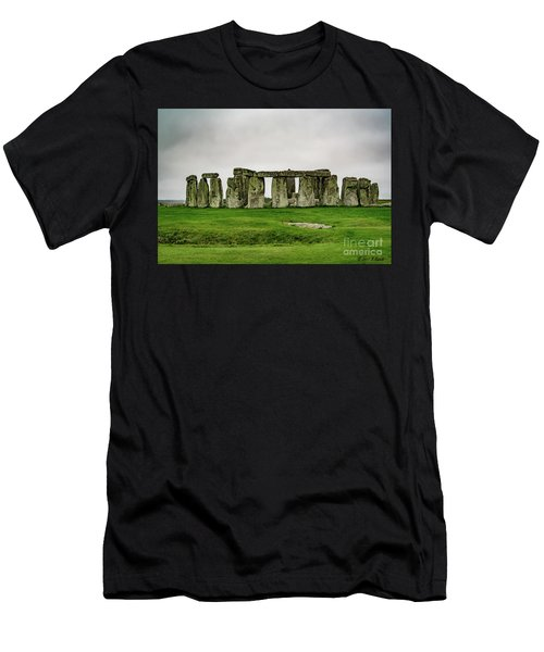 Stonehenge Men's T-Shirt (Athletic Fit)