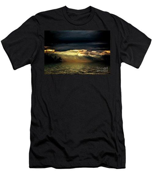 Storm 4 Men's T-Shirt (Athletic Fit)