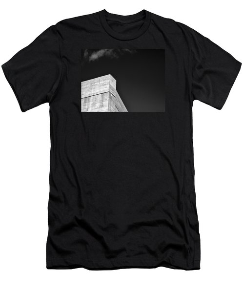 Strong Contrast Wall - Madison - Wisconsin Men's T-Shirt (Athletic Fit)