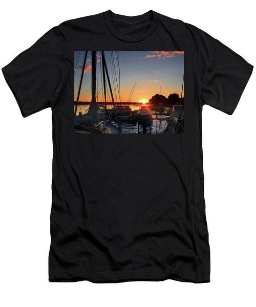 Sturgeon Bay Sunset Men's T-Shirt (Athletic Fit)
