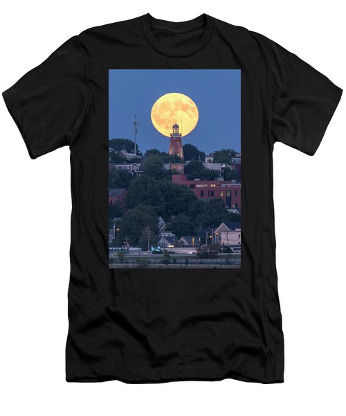 Sturgeon Moon Over Portland Observatory Men's T-Shirt (Athletic Fit)